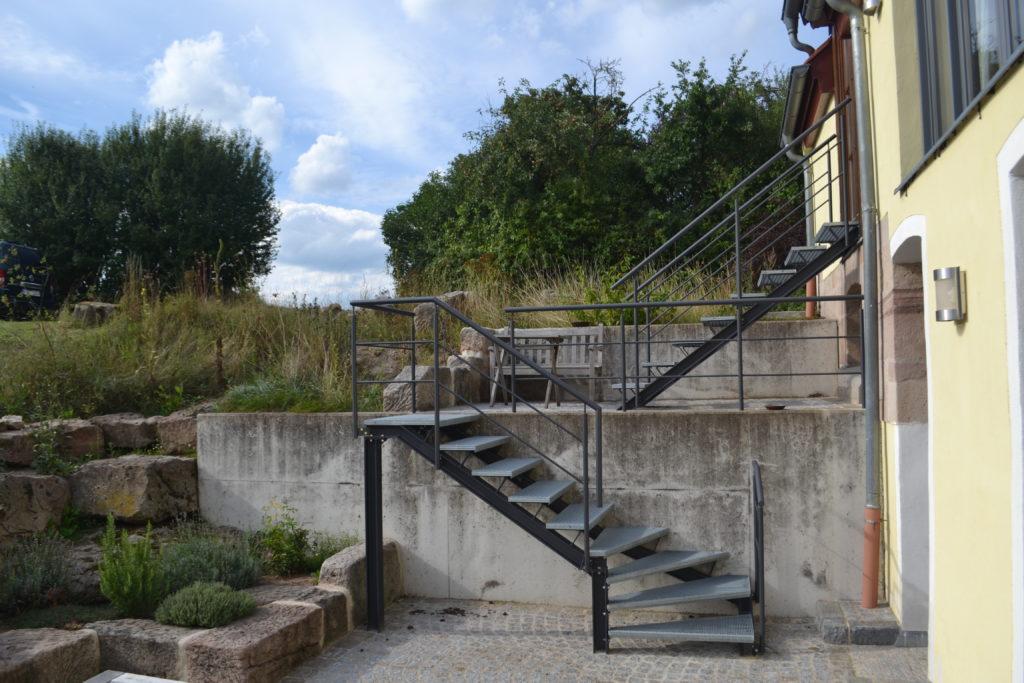 Stahltreppe im Außenbereich